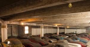 60 yıllık araçlar bir depoda unutulmuş