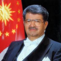 Turgut Özal        ( 1927)- (17.04.1993)TÜRKİYE CUMHURİYETİ 8.CUMHURBAŞKANI
