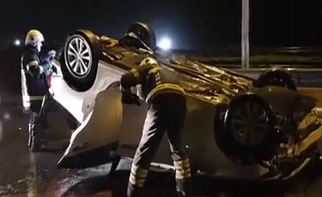 Kocaeli'de otomobil takla attı:2 Yaralı