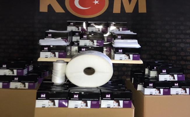 Kocaeli'de kaçak üretilen 9 bin 500 adet cerrahi maske ele geçirildi