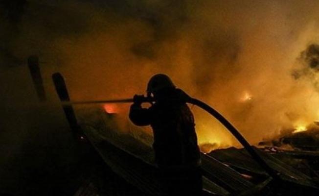 Kocaeli'de fabrikada çıkan yangın korkuttu!