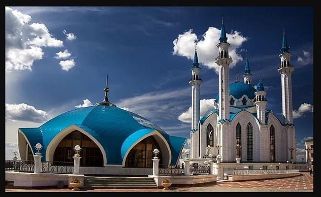 Camilerde beş vakit namaz kılınmaya başlıyor!