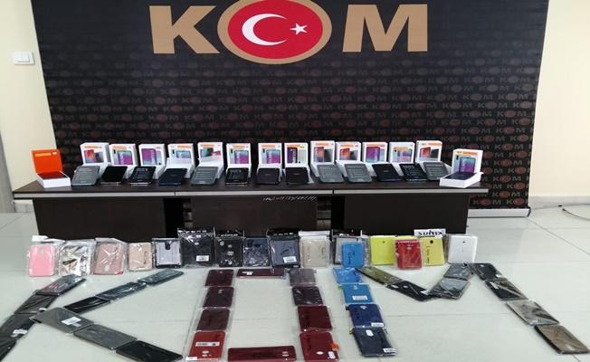 Kocaeli'de sosyal medyadan kaçak cep telefonu satan kişi yakalandı!