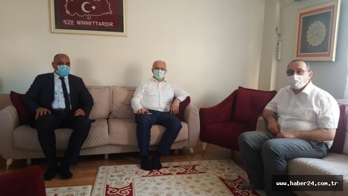 Kocaeli İl Sağlık Müdürü Ergüney'den Şehit Babası Arlı'ya Ziyaret