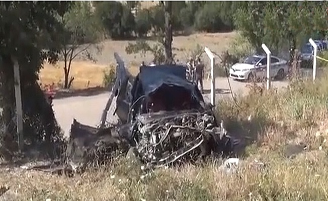 Amasya'da virajı alamayan araç şarampole uçtu :1 ölü 2 yaralı