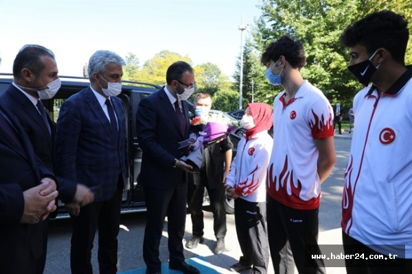 Gençlik ve Spor Bakanı Sayın Dr. Mehmet Muharrem Kasapoğlu Erzincan'a gitti