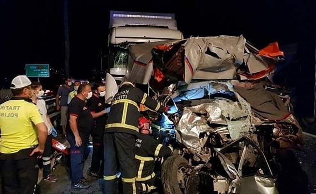 Kocaeli TEM otoyolunda zincirleme kaza:1 ölü 2 yaralı