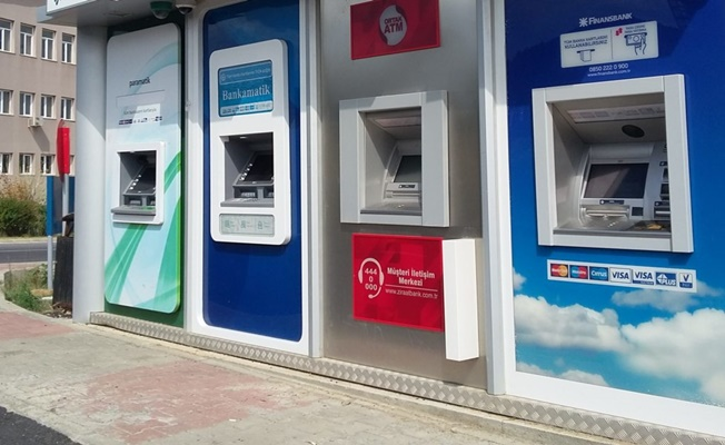 Bankamatik'teki Kadınların etek altı fotoğrafını çeken kişi yakalandı!