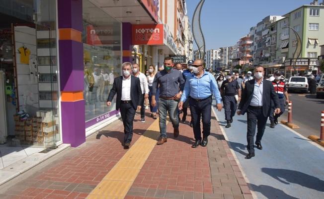 Kaymakam Ömer Karaman İzmir Aliağa sokaklarında