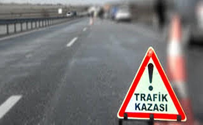 Kocaeli'de İki otomobil çarpıştı:4 yaralı