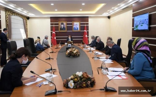 Kocaeli Valisi Yavuz vatandaşları dinledi