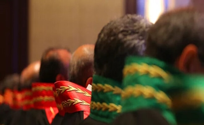 FETÖ'cü 13 hakim ve savcı ihraç edildi