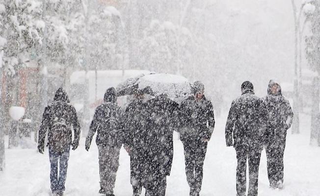 İstanbul'un yanı başı tamamen beyaza büründü