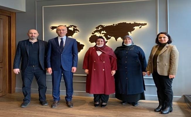 Baro Başkanı Hukukçular Derneğini ziyaret etti