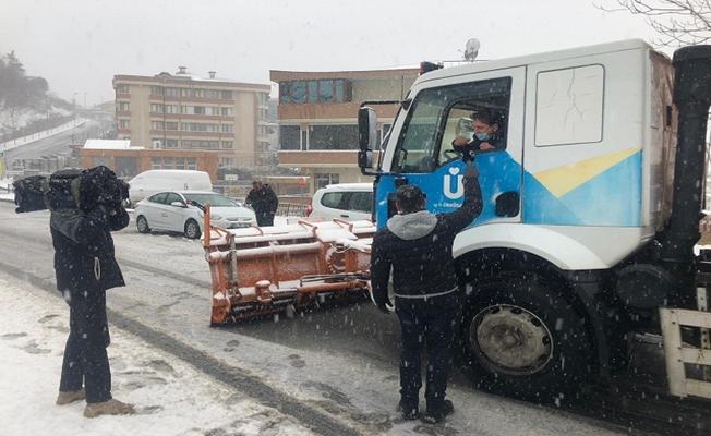 İstanbul'da karla mücadele aralıksız sürüyor