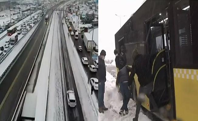 İstanbul'da ulaşım kar yağışı nedeniyle durakladı!