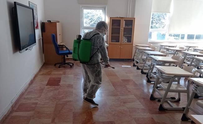 Maltepe'de ibadethaneler ve okullar dezenfekte edildi