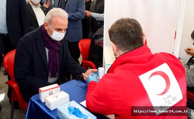 Ümraniye Belediye Başkanı Yıldırım kan bağışında bulundu