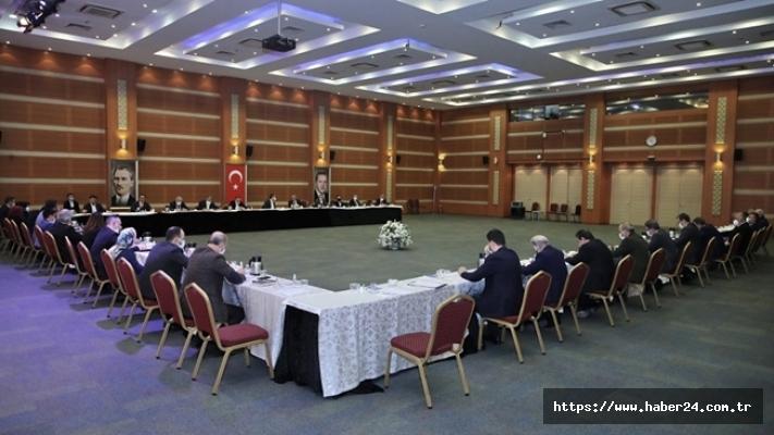 İstanbul'da Ak Partili belediye başkanları bir araya geldi