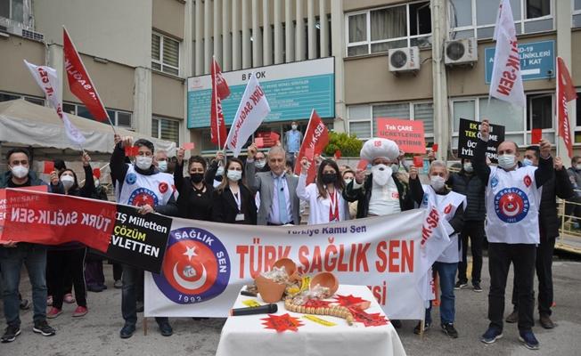 KOCAELİ'DE TÜRK SAĞLIK-SEN'DEN NASREDDİN HOCALI EYLEM