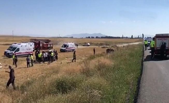 Araç şarampole devrildi; 3 ölü 8 yaralı!