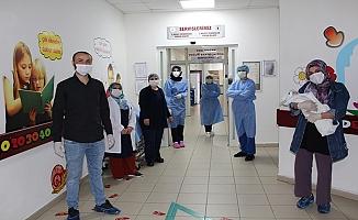 Yenidoğan Bebek Coronavirüsü Yendi!