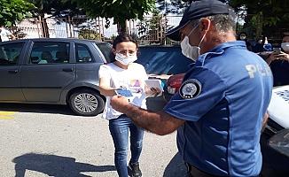 Sınava geç kalan öğrencilere Polis yardım etti!