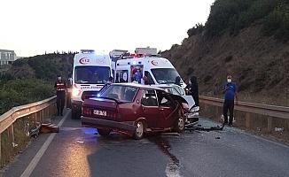 Kocaeli'de 2 araç kafa kafaya çarpıştı! 6 Yaralı