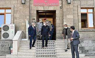 Milli Savunma Bakanı Hulusi Akar Isparta Valiliği'ni Ziyaret Etti