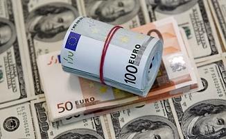 Merkez bankasının kararı sonrası dolar düşüşe geçti!