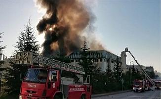 Porselen fabrikasında çıkan yangın korkuttu!