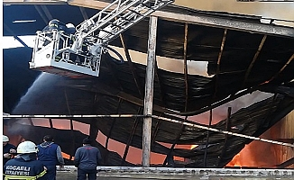 Kocaeli'de geri dönüşüm fabrikasında yangın çıktı
