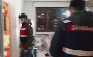 Sosyal medyadan uyuşturucu satan İranlıların lüks sitede bulunan dairesine  baskın