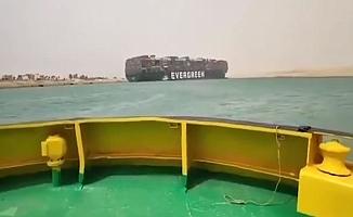 Süveyş Kanalı'na oturan gemi yüzünden Dünya ticareti allak bullak oldu!