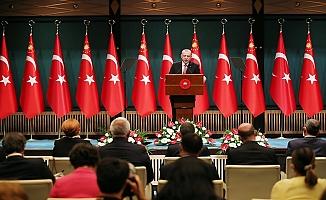 """Erdoğan: """"1 Temmuz itibarıyla başlamak üzere, sokağa çıkma kısıtlamalarını tümüyle kaldırıyoruz"""""""