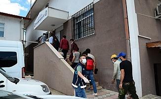 Kocaeli'de  15 kaçak göçmen yakalandı