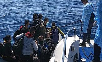 Yunanistan'ın Ölüme Terk Ettiği 55 Düzensiz Göçmen Kurtarıldı