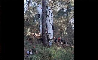 İzmir'de feci kaza: 8 kişi hayatını kaybetti, 11 kişi yaralandı