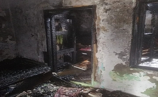 Yangında baba ve üç çocuğu hayatını kaybetti