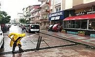 Kocaeli  Büyükşehir ekipleri sel ve taşkınlara anında müdahale ediyor