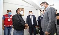 Vatandaşları dinleyen Vali Ayhan'dan SYDV Çalışanlarına Teşekkür Belgesi verdi